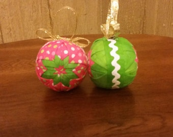 Set of 2 Quilted Ornaments Green/Pink & White Polka Dot