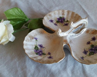 CLEARANCE!  Porcelain Shell-Shaped Divided Condiment Dish with Handle, Vintage, Painted in African Violets, Unmarked
