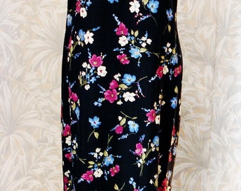Studio Ease Floral Printed Maxi Dress with Scoop Neck 100% Rayon Easy Care Very Comfortable-Size 12-Vintage NEW-Made in Sultanate of Oman