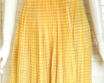 Vintage //1960s //Yellow //Gingham //Dress Full skirt //Cotton Spring //Summer //Casual //Day Dress