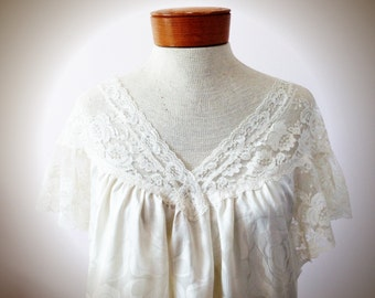 Vintage 1970s Lily Of France Silk Nightgown , White Vintage Lace Nightgown , Lingerie , Vintage Night Dress, FREE SHIPPING