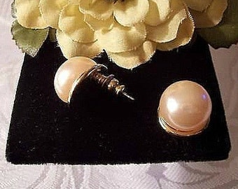 White Pearl Pierced Stud Post Earrings Gold Tone Vintage Avon Large Round Bead
