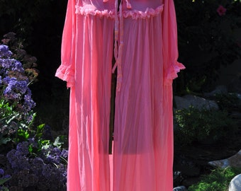 Late 1960s Pink Lace Nightgown