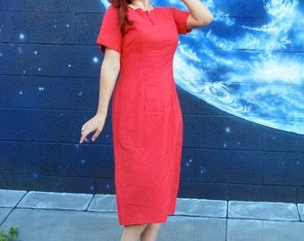 SALE 1940s 1950s wiggle Dress scallop collar metal side zipper vintage //  medium / large