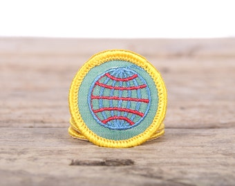 """Vintage Girl Scout Patch / 1970's Scout Patch World Heritage World Knowledge / 1.5"""" Girl Scouts Patch / Vintage Patches / Yellow Scout Patch"""