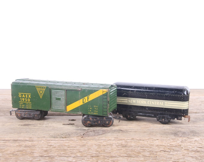 Vintage Metal Train Cars / Louis Marx Train Set Cars / Antique Train Decor / O Scale New Your Central Passenger / 3555 GAEX 1950 Box Car