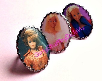Barbie Large 30x40mm Photo Cameo Adjustable Ring, black metal, large cameo, Barbie ring, Barbie Trading Cards, Barbie jewelry, Greece