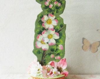 Floral Shelf Decor
