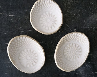matt white oval saucer