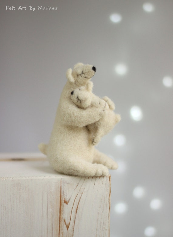 Needle Felt White Bears - Dreamy White Bear With A Baby Bear  -Needle Felt Art Doll -  Withe Felted Polar Bears - Home Decor - Art Doll