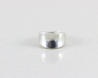 Sterling Silver Band Ring Size 8