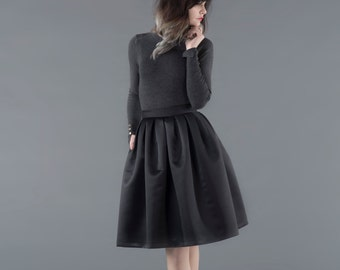 Full skirt / black midi skirt / midi skirt with pockets / skirt with pockets / black full skirt / full midi skirt / thick skirt