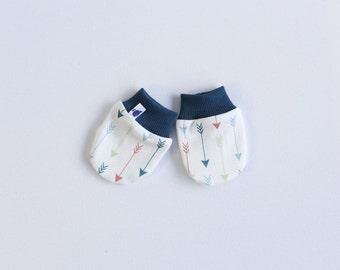 Newborn scratch mitts. Mittens with cuffs. Shower gift. Organic knit fabric with multicolor arrows Gender neutral no scratch baby mitts