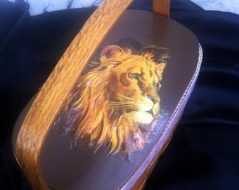 Vintage Woven Basket Purse c 1970 . Lion Theme Box Purse Bag . Top Handle Sewing Box Quilted . Animal Lovers . Decoupage Purse