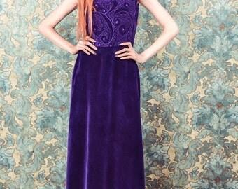 Vintage velvet dress/Maxi dress/Embroidery dress/Purple velvet/1960s dress/Bohemian chic clothing/Small