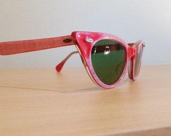 New Old Stock, Vintage Small Titmus Cabana TS 2250 Red Cateye Sunglasses, 1950s Titmus Cat Eye Sunglasses