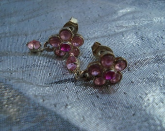 Beautiful Fun Flirty Vintage Pink Dangle Rhinestone Earrings Vintage Drop Pierced Ears Earrings