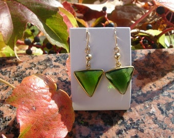 Earrings with Peridot triangle pendant in 585-er silver!