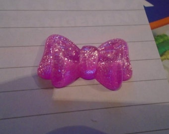 glittery bright pink bow  resin needle minders  magnet