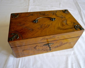 Beautiful vintage carved wooden Box / French carved wooden box/ Vintage jewellery box