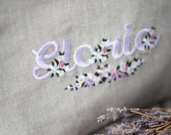 Beauty case door tricks with embroidered name