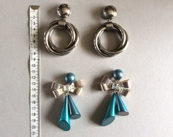 Enormous 1980s earclips,two pairs