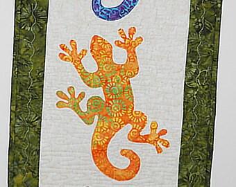 Gecko Crossing Wall Hanging