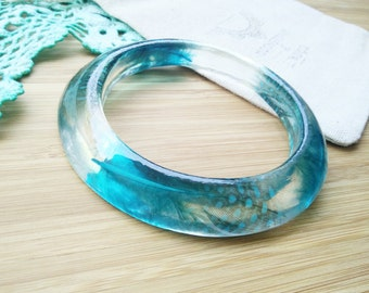 Resin Feather Bangle- Teal Green Bangle- Teal Jewelry- Feather Jewelry- Chunky Bangle- Teal Feathr Bangle-Chunky bangle-Nature Bangle-Resin