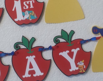 Snow white Banner, Birthday Party Banner, Snow White Party Decorations, Apples Banner