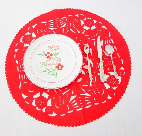 round paper placemats Kmart has placemats in fun styles and patterns add a stylish accent to your dining room with table mats.