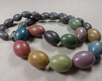 Multicolored stones necklace
