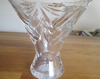 vintage cut glass vase, pressed glass vase ref 1