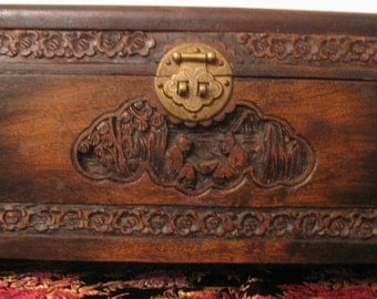 Vintage Chinese Export Carved Wood Box with figures