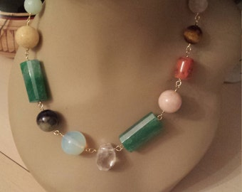 One strand beaded semi precious stones adjustable lenght necklace