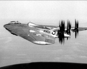 24x36 Poster . Northrop Xb-35 Flying Wing, A Heavy Bomber Prototype