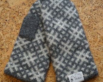 Wool mittens C02-21