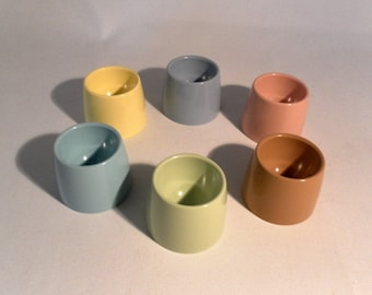 Set of six vintage melamine eggcups - original from the 1970s
