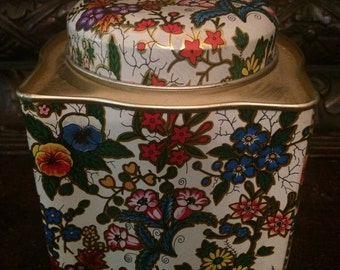 Daher Tin Vintage Collectable Floral Tea Tin Made in England