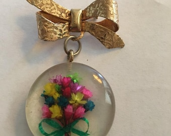 Goldtone Brooch Bow With Lucite Bouquet of Flowers ~ 1960s ~ Summer Never Really Fades Away With This Lovely Pin