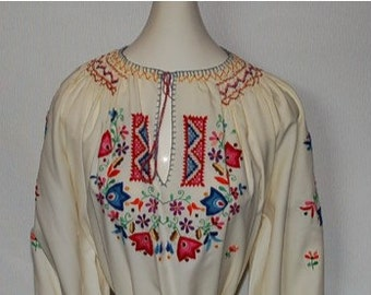 Gorgeous vintage embroidered Hungarian blouse!