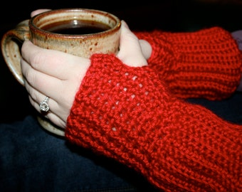 Fingerless gloves, perfect fall accessory.