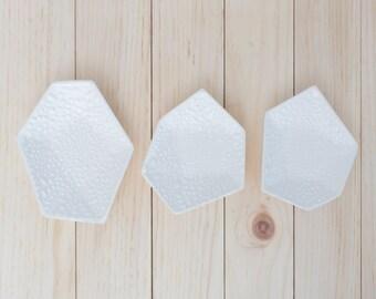Large Geometric Ring Dish set of 3 in Textured White Crawl.