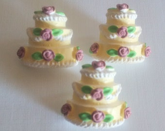 3 Tiered flowered cake button 5ct