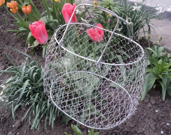 Vintage Metal Wire Basket Egg fruits basket - Made in USSR, Soviet era, mesh mid century, modern kitchen, storage