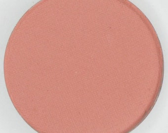 I Believe, Medium Pink, 44 mm pressed blush, highly pigmented and so creamy