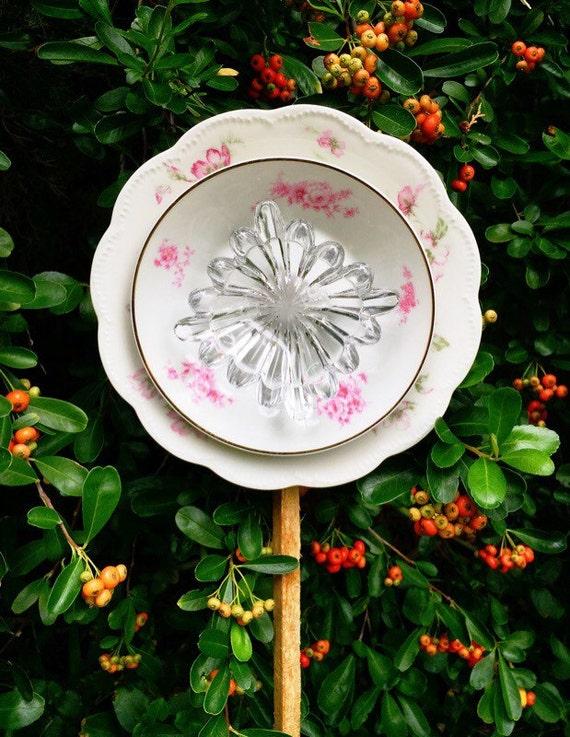 Amelie glass garden flower yard art by sassafrasvintage1984 for Garden art from old dishes