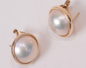 Beautiful Old Vintage 14K Yellow GOLD Earrings with Mabe PEARL (6.8g)