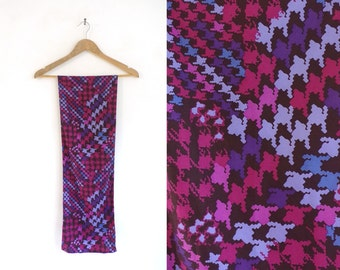 houndstooth scarf, oblong scarf, purple pink blue, long scarf, 70s scarf, 1970s scarf, ascot, mad men, retro mod, print pattern