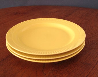 3 cake plates by CP Annaburg Sintolan, yellow with ridges, CP Annaburg Sintolanwerke, 1970s GDR