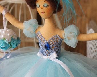 Lovely Ballerina, a True Dancer! Vintage Style! Ballerina Doll